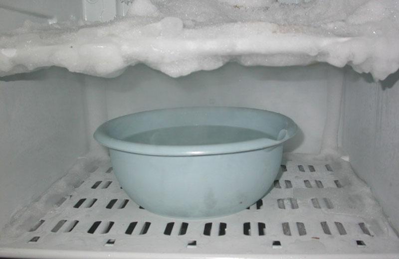 Как разморозить холодильник - инструкция, лайфхаки, чистящие средства